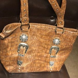 Bling! Trinity ranch leather tote 👜